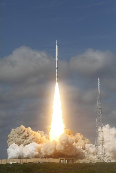 397587main_launch 3-m_1024-768