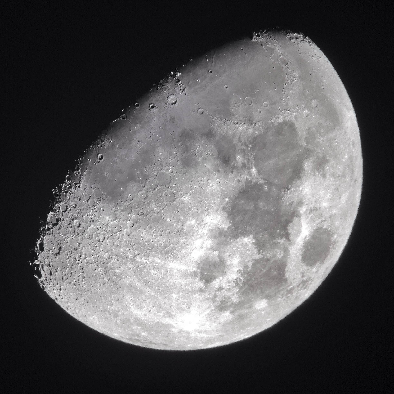 2014-11-01 waxing gibbous moon - snapseed