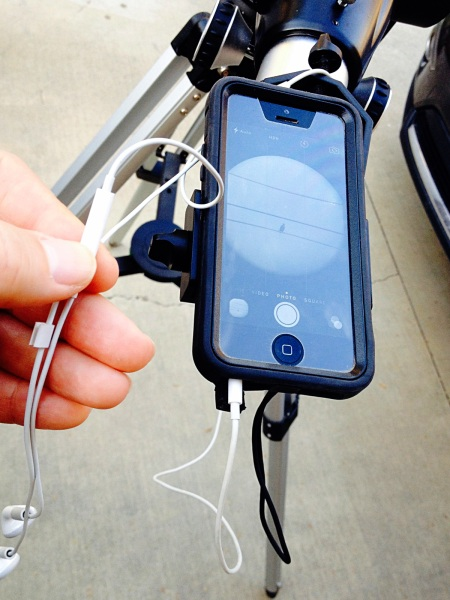 iPhone earbuds remote shutter release